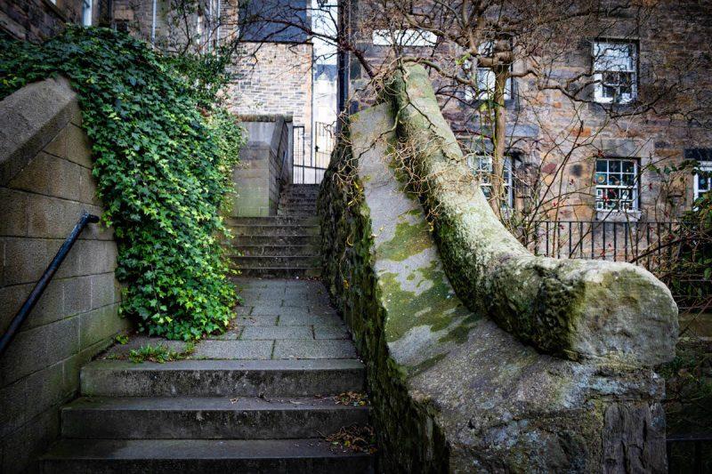 Coinyie House Close Garden