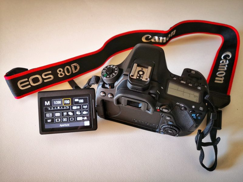 Canon EOS 80D display touch screen